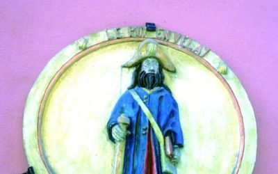 Modern medallion of St James as a pilgrim Le Puy