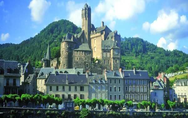 The small town of Estaing