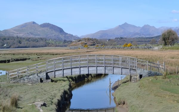 South of the Dwyryd there is an excellent view of the Snowdonia mountains