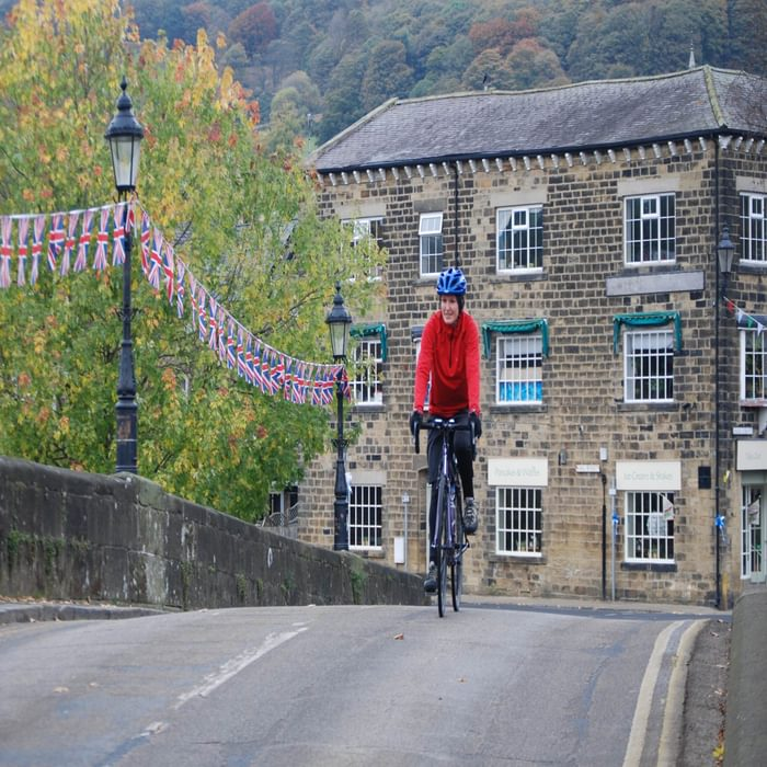 Crossing Pateley Bridge in search of tea and cake