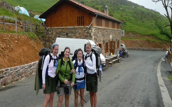 Just after meeting these four American coeds on my first day on the Camino Frances we snapped this photo. (Camino Frances of the Camino de Santiago)