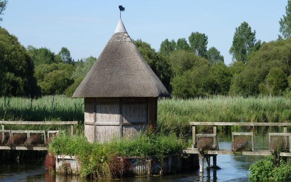 Fisherman's hut at Longstock
