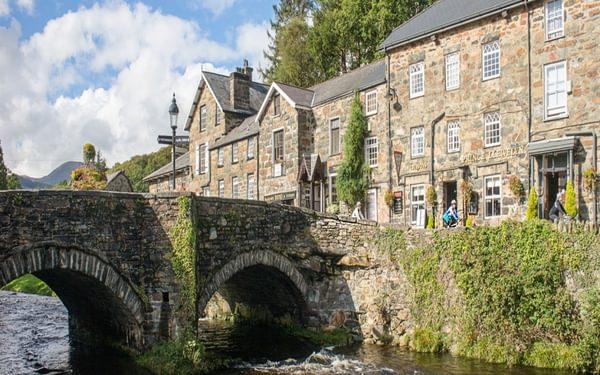 Crossing Afon Glaslyn in Beddgelert