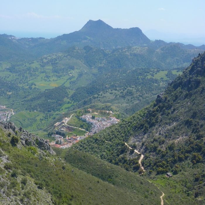 Descending towards Cortes de la Frontera