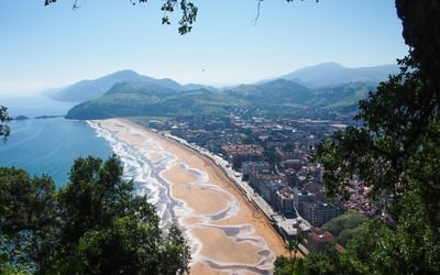 Day 5. Come so far. Zarautz beach with Jaizkibel in the distance