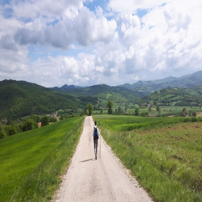 Walking into an Umbrian vista between Citerna and Citta di Castello