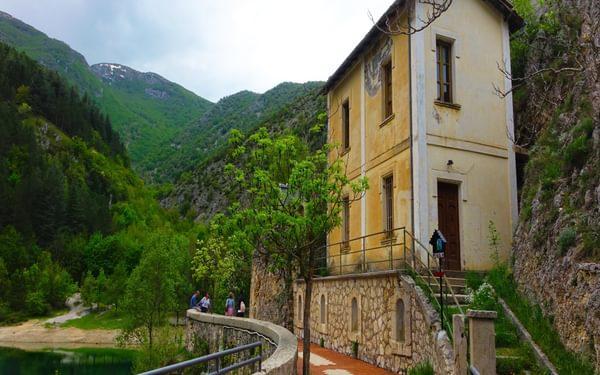 The path to the Eremo di San Domenico