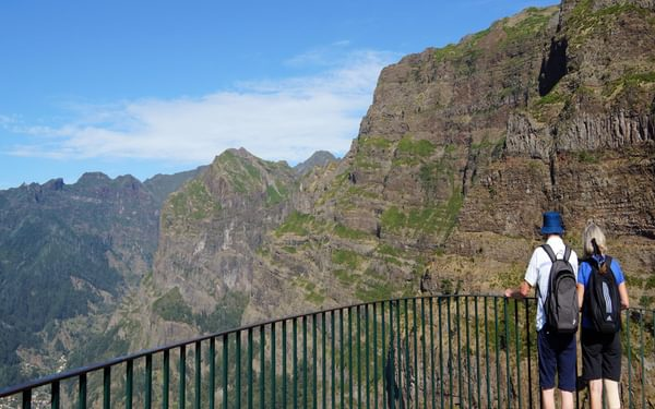 A dizzying viewpoint over the Curral valley from Eira do Serrado
