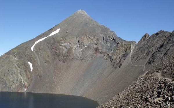 Pic Tebarrai above Ibón de Tebarrai