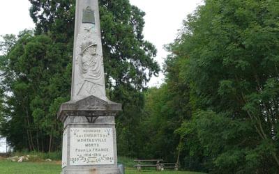 Monument commemorating war dead in Montauville (Lorraine)