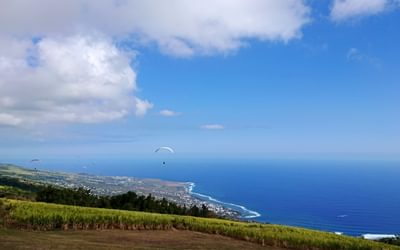 Paragliding above Saint-Leu