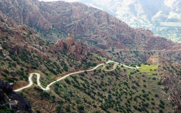15  A Few Roads Can Be Dramatic To Drive