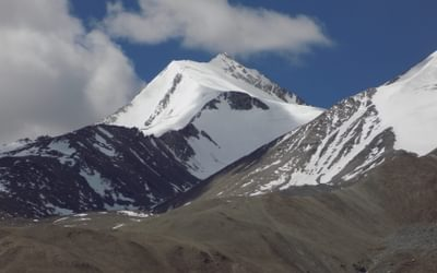 16 Peaks Above Pangong Lake