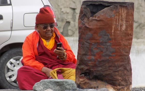 8 Mobile Monk