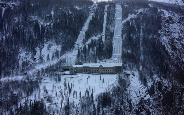 The famous Vemork hydroelectric power plant, now known as the Norwegian workers museum, sits where it did during the second world war. It now houses a museum for the Heroes of the Telemark.