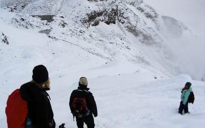16 Descent From Saga La