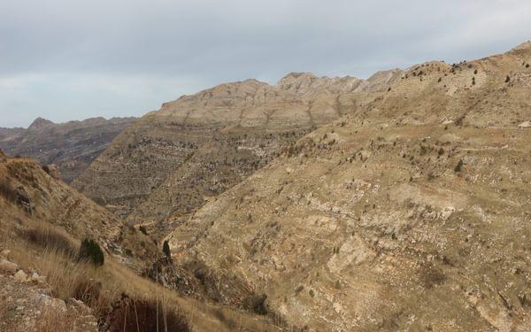 Climbing onto the escarpment above Aaqoura