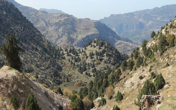 The start of the descent into Afqa