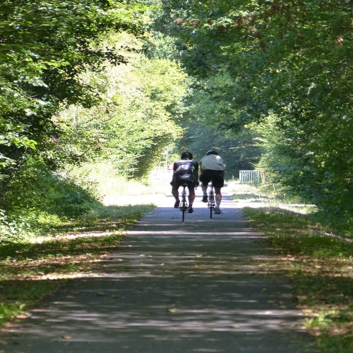 The Garonne Canal offers one of the best routes on traffic-free asphalted paths