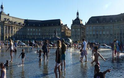 04 Le Miroir d'Eau - the world's largest water mirror in Bordeaux