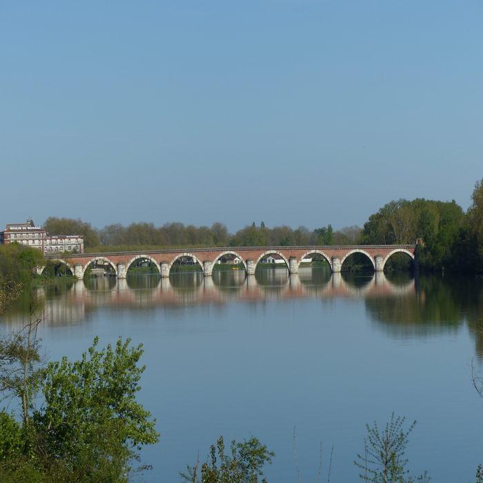 15 Napoleon's bridge across the Tarn in Moissac