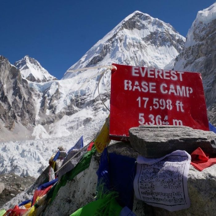 Everest Basecamp Trek for two people, including flights and accommodation
