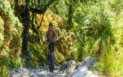 Jon Sparks on the climb over Knotts, above High Tilberthwaite.