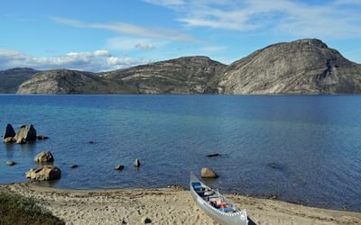 06 Look out for a free canoe if wishing to paddle the length of Amitsorsuaq