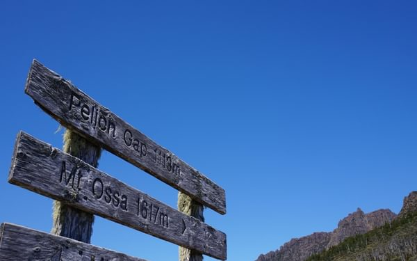 Pointing the way to Mt. Ossa
