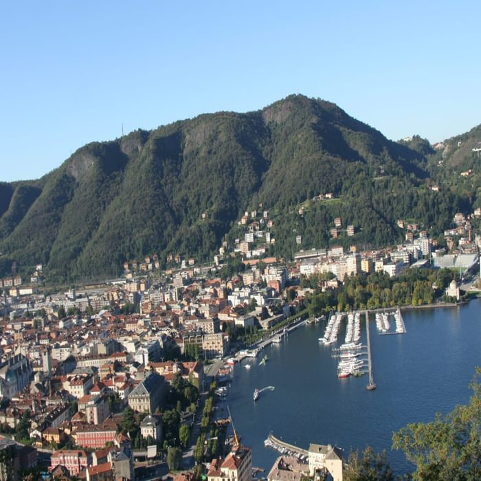 Pic1 The Town Of Como Is Located At The Lower End Of The Lake