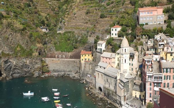 1 Vernazza And Its Bay