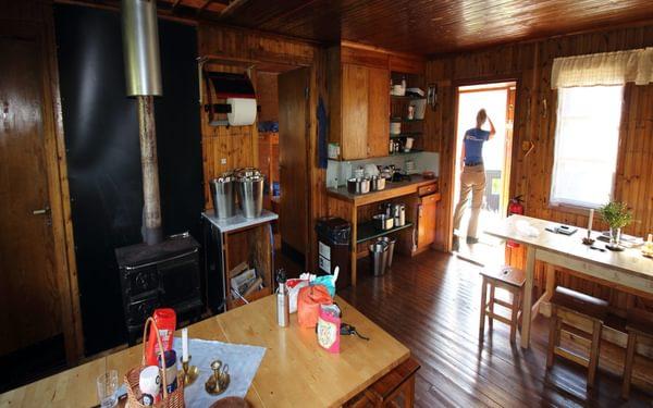 1 Typical STF hut interior.