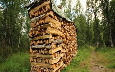 Transporting firewood is the greatest fjällstugor running cost to the STF