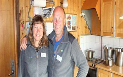 Couples often volunteer together as stugvärds