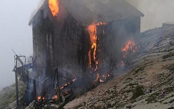 The Refuge d'Ortu di U Piobbu has burnt down. Image from Corse Matin.