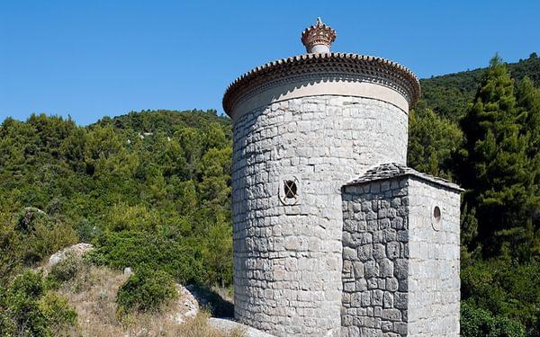 Gospa od Planice, a small 11th century church built by the Knights Templar, on the island of Vis, Croatia © Rudolf Abraham