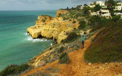 Coastal path towards Praia do Carvoeiro