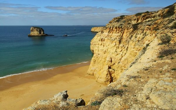 Coastal path with great views near Praia do Paradiso Walk 21