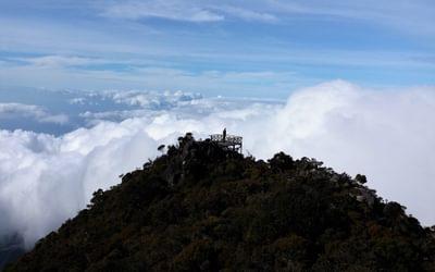 Viewing platform just above Laban Rata