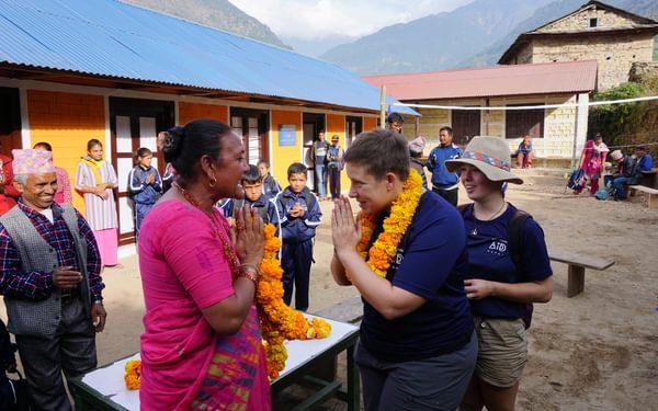Receiving a marigold garland at Rawa Dolu. (Pic by AAN)