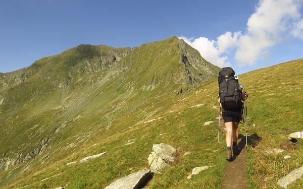 Ascending towards Vistea Mare