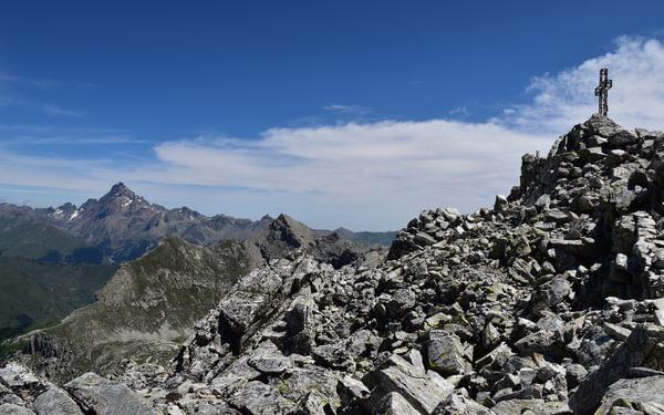 Rocca la Marchisa summit and Monte Viso