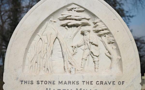Brusher Mills' gravestone