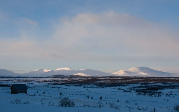 A typical view over this snowy Norwegian fjell