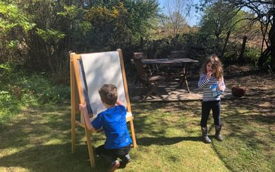 Outdoor learning and snacking
