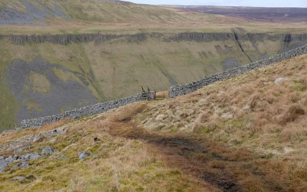 Nearing the southern edge of High Cup Gill