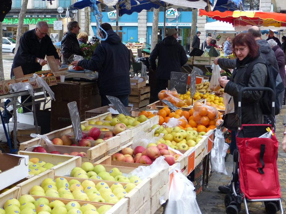 There Are Markets In The Towns And Villages Along The Canal