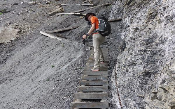 Steps To  Hohturli