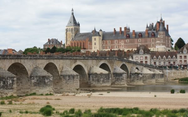 The Loire Became A Narrow Trickle Of Water Beow Gien Bridge