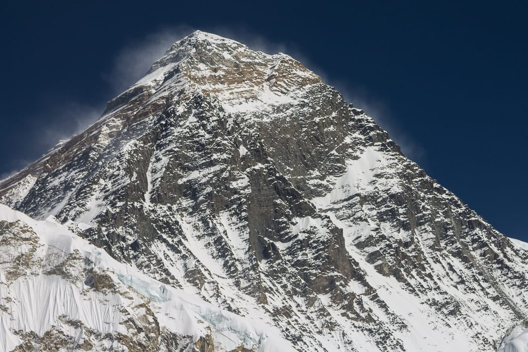 Chomolungma As Viewed From  Kala  Patthar 5646M Southeast Ridge With The Classic  Hillary Tenzing Route Is On The Right
